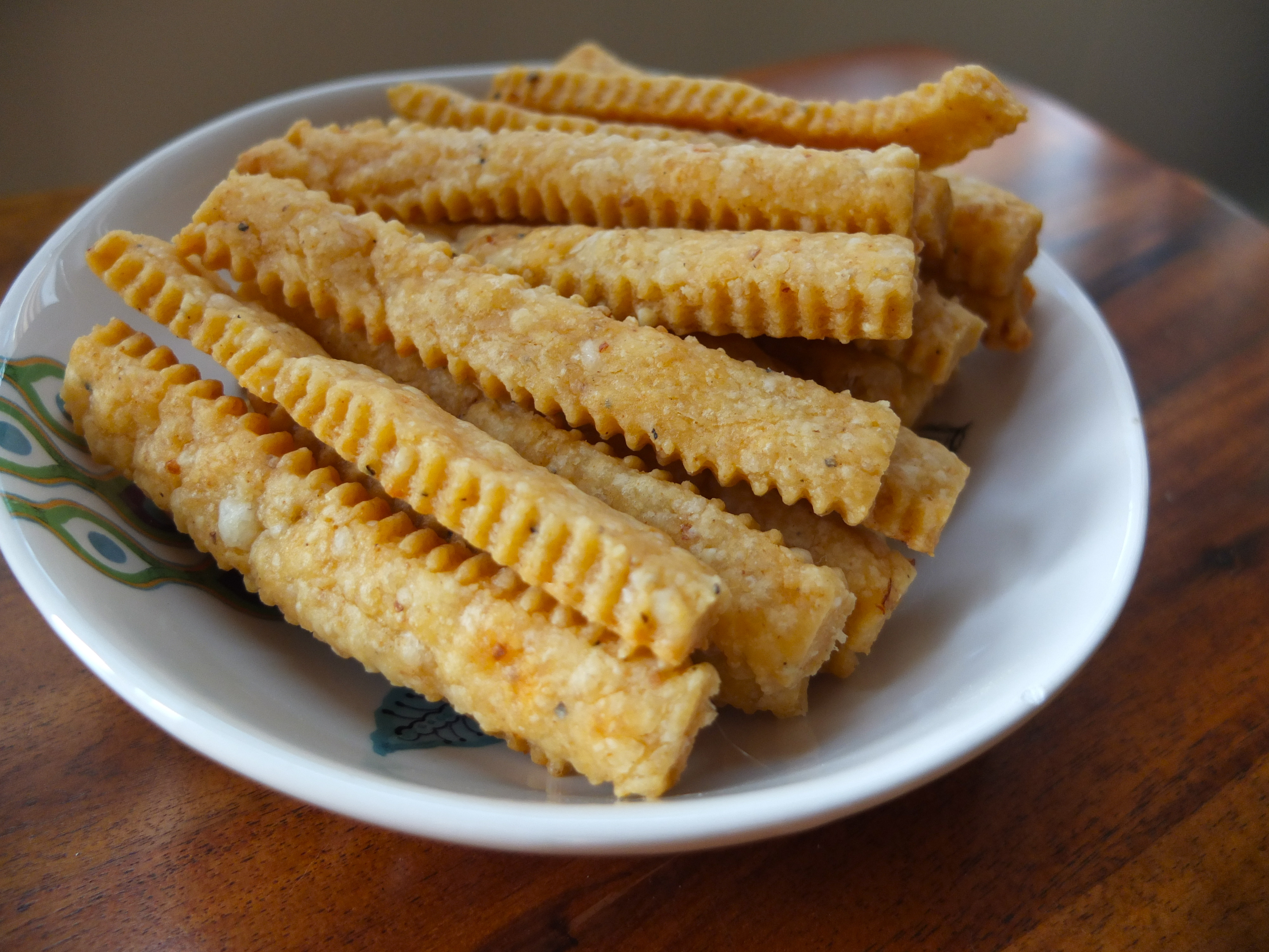 Applewood Smoked Cheddar Cheese Straws (adapted from Smitten Kitchen)